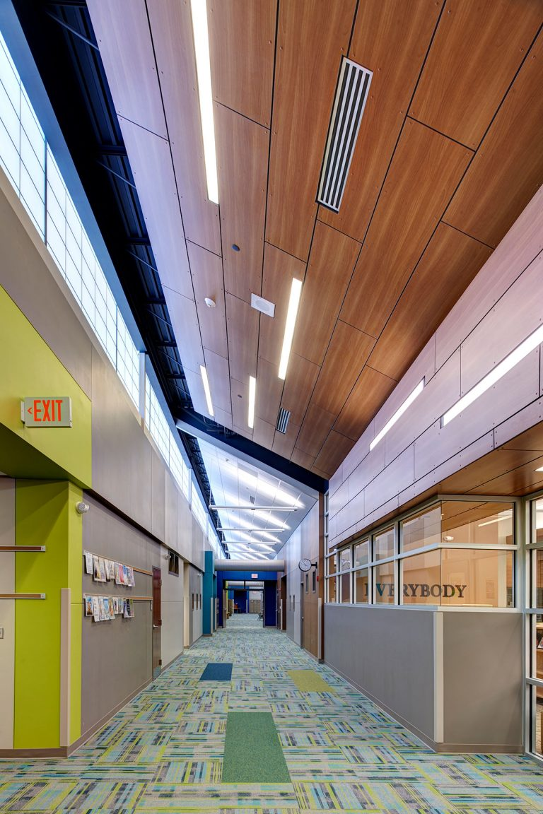 Circulation corridor with ceiling feature