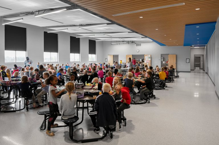 Cafeteria full of students